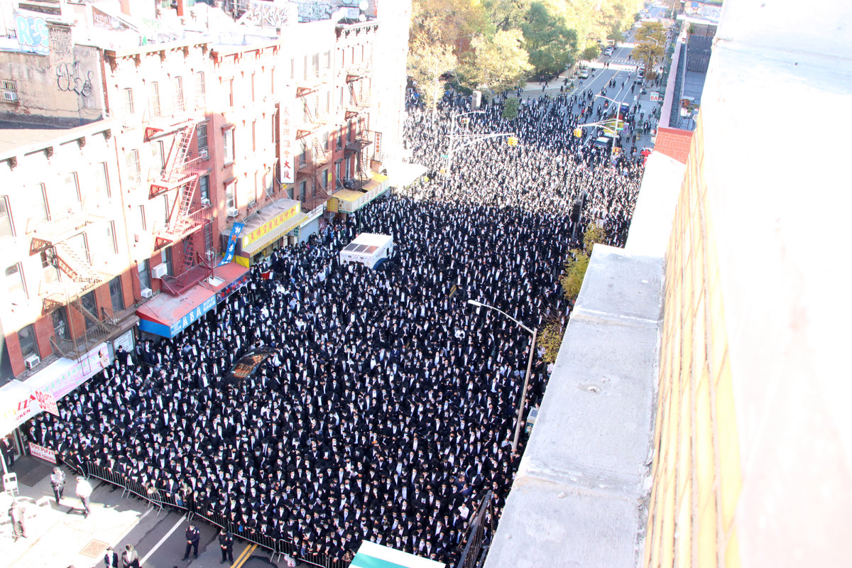 Mourning The Loss of Rabbi Fenstein, Hundreds Gather at Lower Manhattan