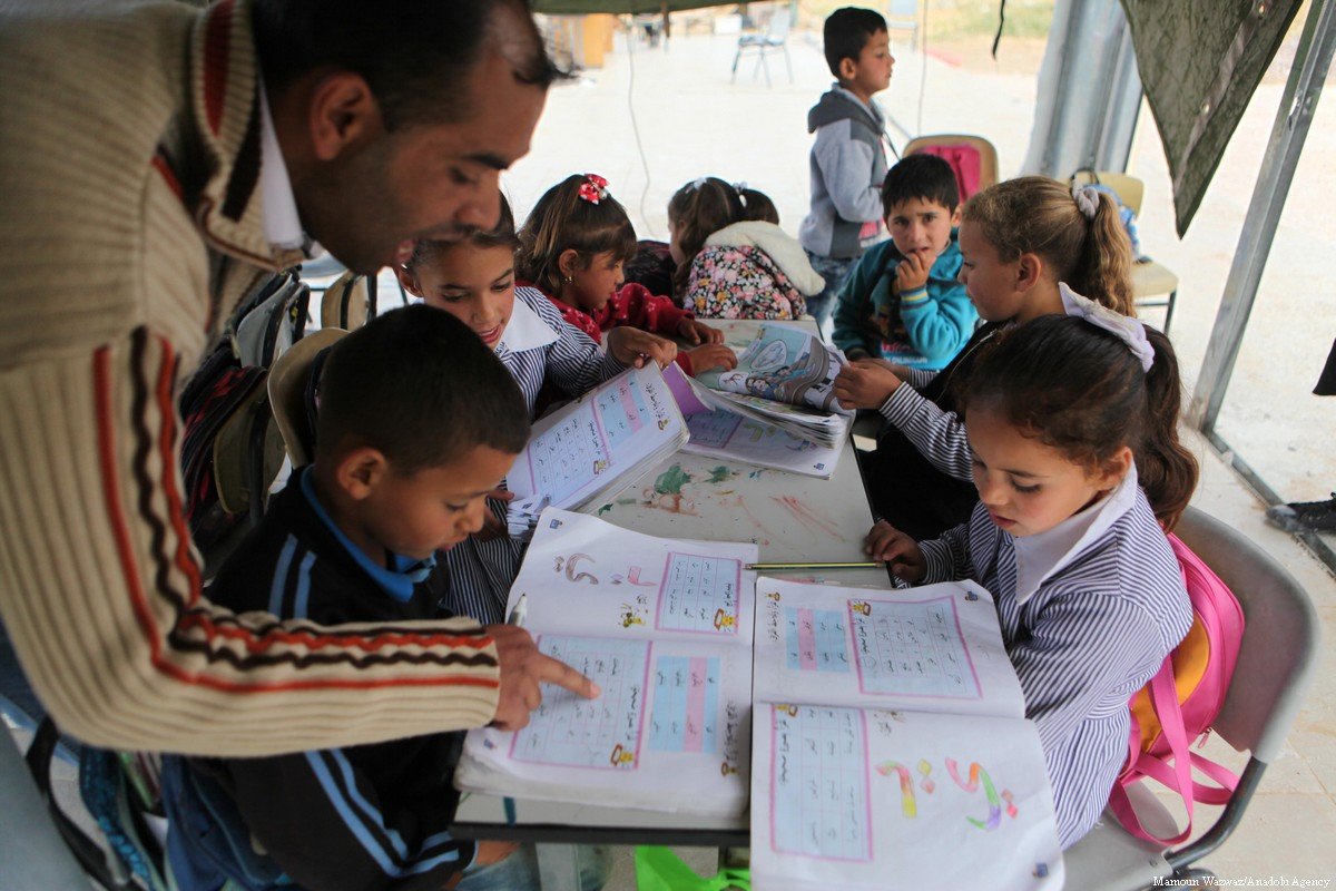 US Lawmakers Once Again Introduce Bill For State Dept To Overlook Palestinian Curriculum