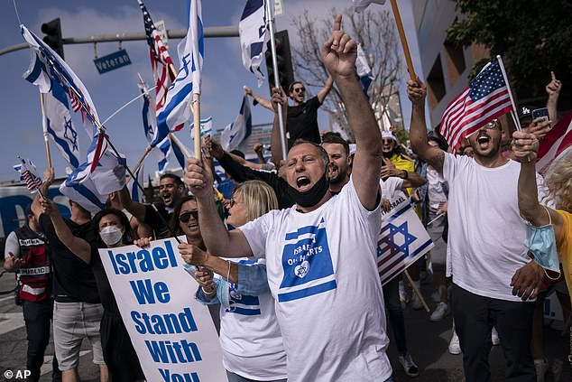Arab Mob Attacks Pro-Israel Rally In Chicago