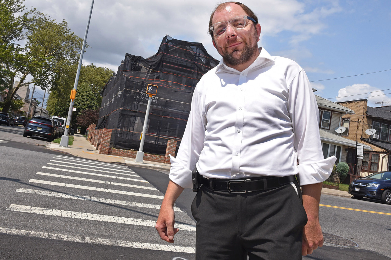 Chasidic Brooklyner Recalls Harrowing Incident of Assault Outside Synagogue