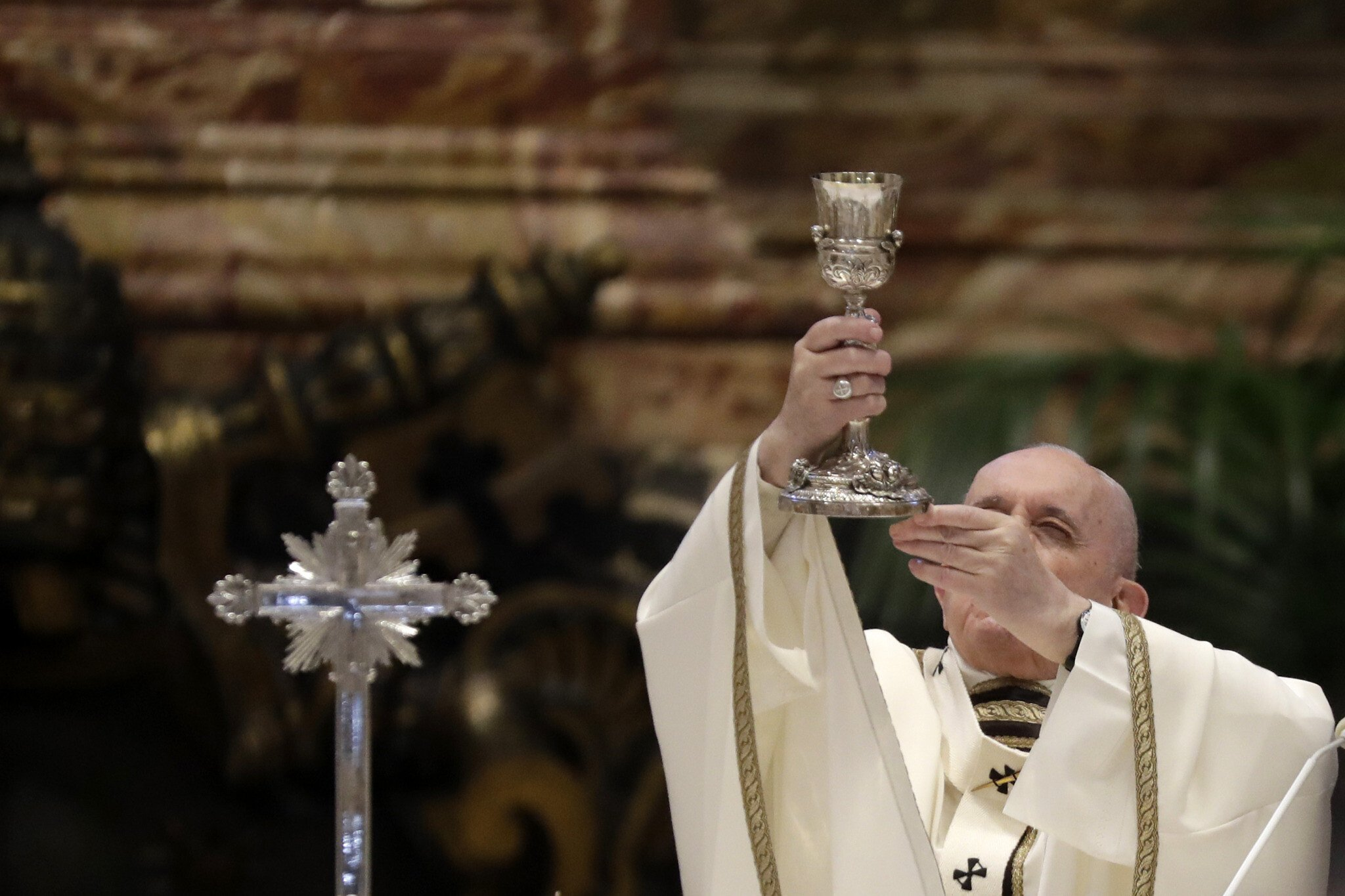 Pope Francis Protects Jewish Interests, Restricts Controversial Latin Mass