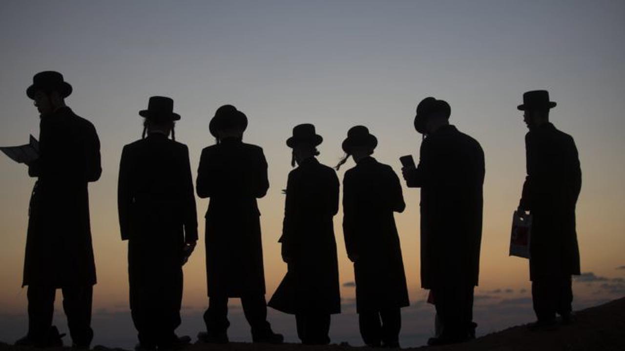 Hatred Grows Against Chareidim In Northern Israel, Man Verbally Assaults Chareidi Businessmen