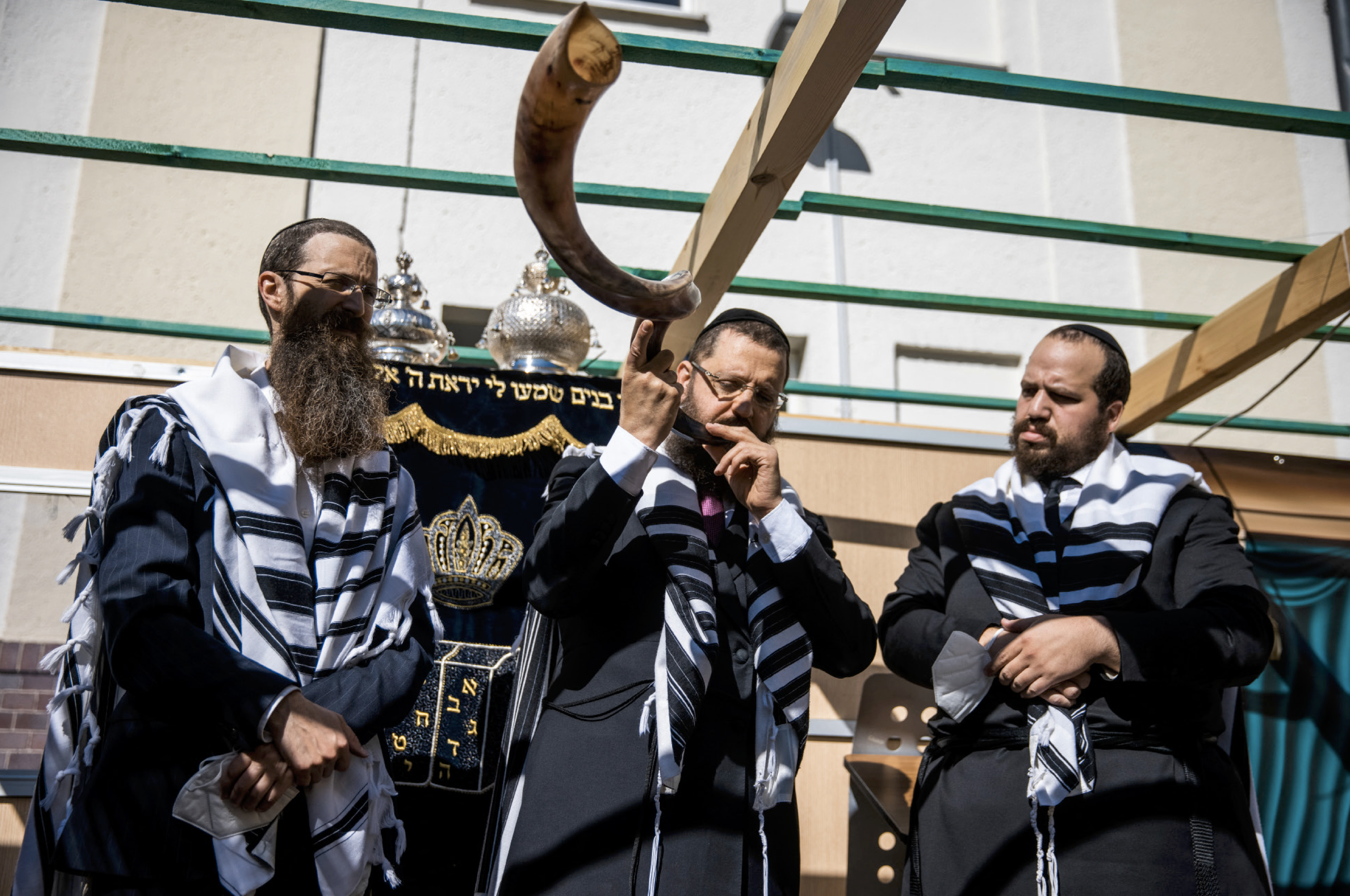 Jewish Communities Residing In Gulf Nations Celebrate Rosh Hassanah Publically For The First Time In Years