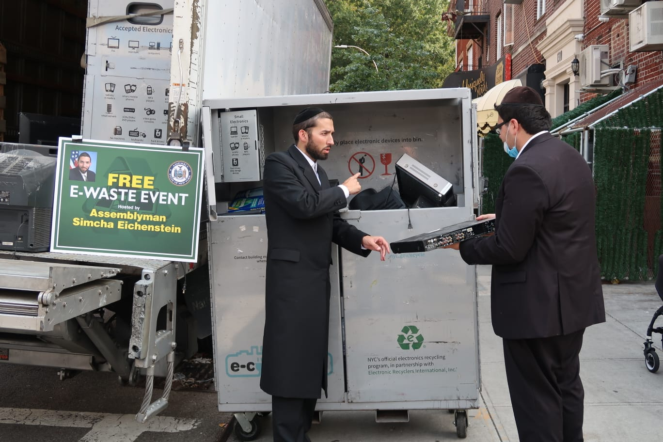 Community Residents Take Advantage Of Assemblyman Simcha Eichenstein's E-Waste Disposal Event